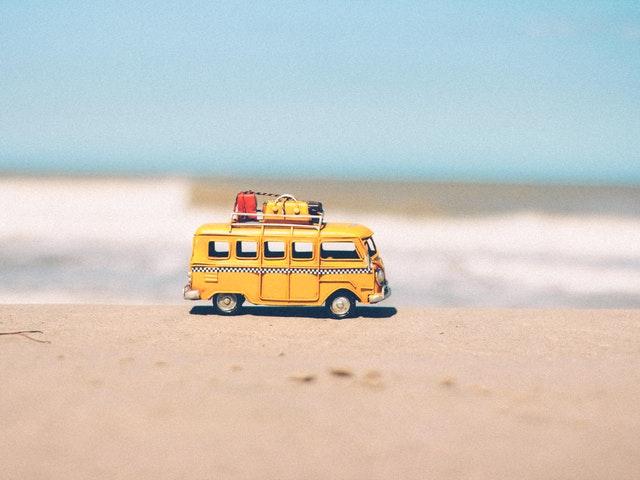 Ta bilen till stranden